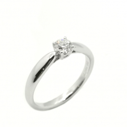 Pre-Loved Tiffany &  Co.  Solitaire Platinum Diamond Ring